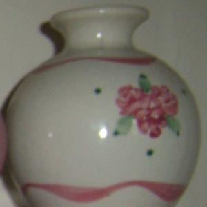 Other - Vintage ivory pink ribbon round vase